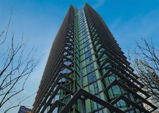 """Photo 1: 2106 1331 W GEORGIA Street in Vancouver: Coal Harbour Condo for sale in """"THE POINTE"""" (Vancouver West)  : MLS®# R2555682"""