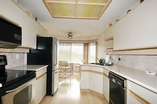 """Photo 5: 2622 CRAWLEY Avenue in Coquitlam: Coquitlam East Townhouse for sale in """"SOUTHVIEW ESTATES"""" : MLS®# R2237997"""