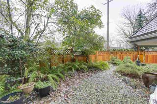 """Photo 4: 101 1515 E 6TH Avenue in Vancouver: Grandview VE Condo for sale in """"WOODLAND TERRACE"""" (Vancouver East)  : MLS®# R2237006"""