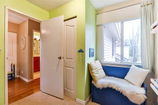 """Photo 14: 6187 E GREENSIDE Drive in Surrey: Cloverdale BC Townhouse for sale in """"Greenside Estates"""" (Cloverdale)  : MLS®# R2237894"""