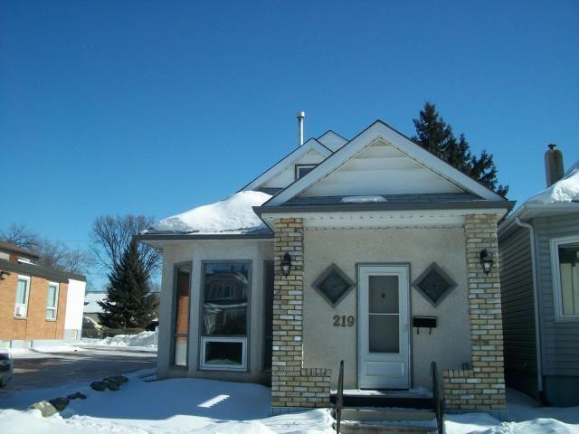 Main Photo: 219 HAMPTON Street in WINNIPEG: St James Residential for sale (West Winnipeg)  : MLS®# 1103133