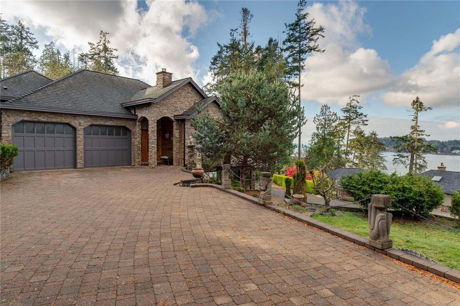 Main Photo: 7100 Sea Cliff Rd in : Sk Silver Spray House for sale (Sooke)  : MLS®# 860252