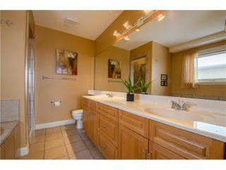 Photo 16: 243 STRATHRIDGE Place SW in Calgary: Strathcona Park House for sale : MLS®# C4101454