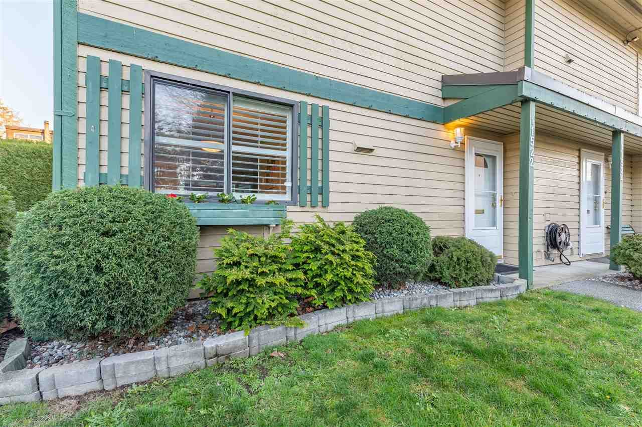 """Main Photo: 11522 KINGCOME Avenue in Richmond: Ironwood Townhouse for sale in """"KINGSWOOD DOWNES"""" : MLS®# R2530628"""
