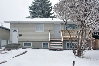 Main Photo: 2226 42 Street SE in Calgary: Forest Lawn Detached for sale : MLS®# A1097075