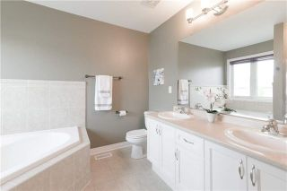 Photo 13: 424 Spring Blossom Cres in Oakville: Iroquois Ridge North Freehold for sale : MLS®# W4228081