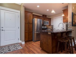 """Photo 3: 308 2068 SANDALWOOD Crescent in Abbotsford: Central Abbotsford Condo for sale in """"The Sterling 2"""" : MLS®# R2525526"""