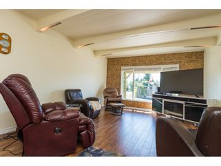 """Photo 3: 3 2120 KING GEORGE Boulevard in Surrey: King George Corridor Manufactured Home for sale in """"Five Oaks"""" (South Surrey White Rock)  : MLS®# R2189509"""