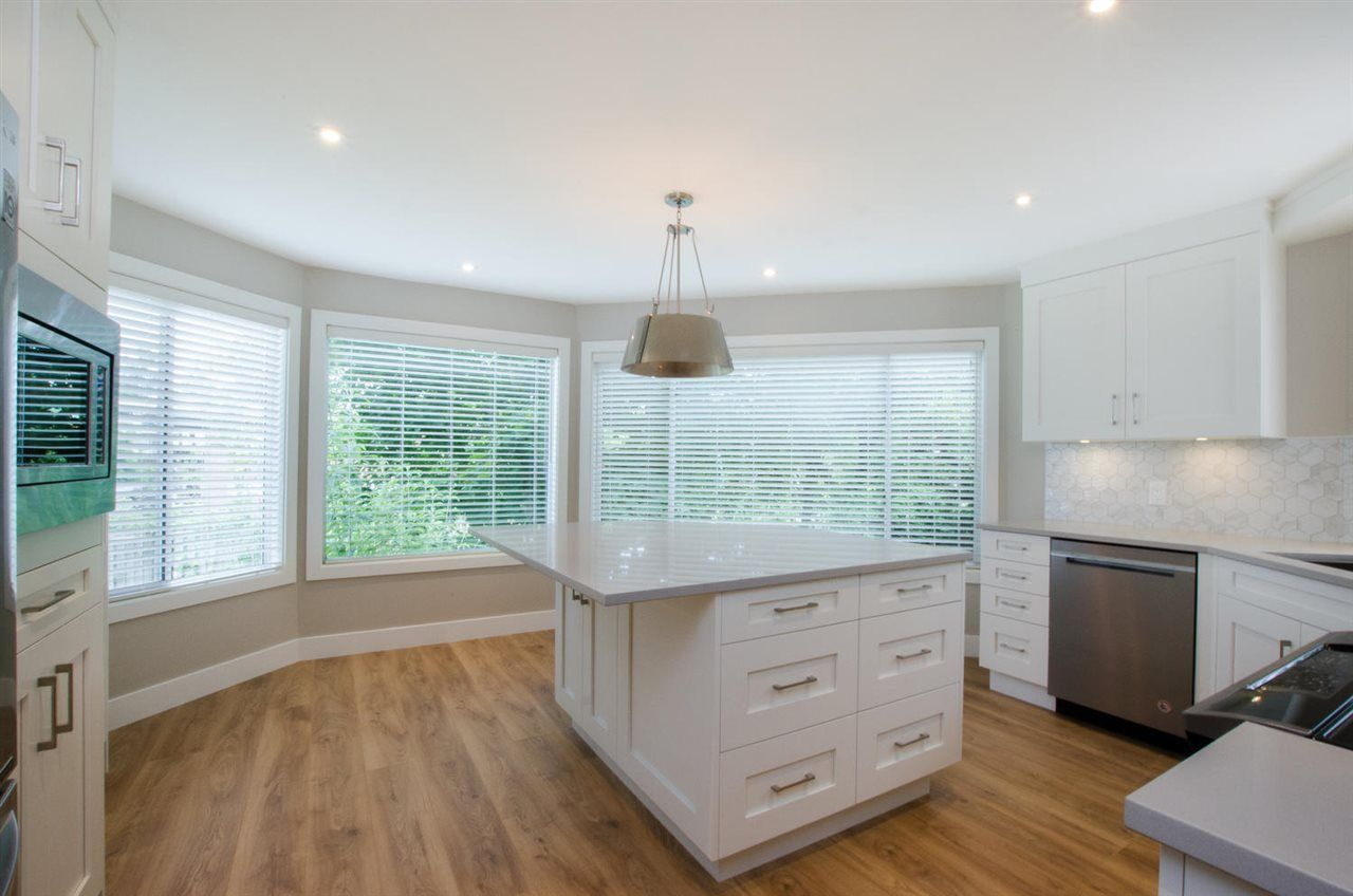 """Photo 1: Photos: 104 1327 BEST Street: White Rock Condo for sale in """"Chestnut Manor"""" (South Surrey White Rock)  : MLS®# R2339263"""