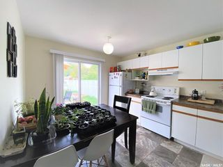 Photo 3: 909 I Avenue South in Saskatoon: Riversdale Residential for sale : MLS®# SK855889