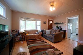 Photo 3: 117 3rd Street in Oakville: House for sale : MLS®# 202115958
