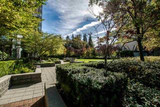 """Photo 2: 1706 235 GUILDFORD Way in Port Moody: North Shore Pt Moody Condo for sale in """"THE SINCLAIR"""" : MLS®# R2115644"""