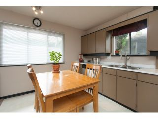 """Photo 3: 5096 208TH Street in Langley: Langley City House for sale in """"NEWLANDS/LANGLEY CITY"""" : MLS®# F1444664"""