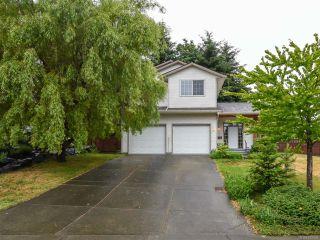 Photo 1: 555 BECKTON DRIVE in COMOX: CV Comox (Town of) House for sale (Comox Valley)  : MLS®# 789909