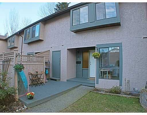 "Main Photo: 33 3190 TAHSIS Avenue in Coquitlam: New Horizons Townhouse for sale in ""NEW HORIZON ESTATES"" : MLS®# V753291"