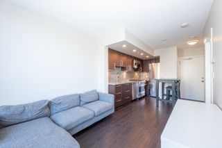 """Photo 4: 557 108 W 1ST Avenue in Vancouver: False Creek Condo for sale in """"WALL CENTRE"""" (Vancouver West)  : MLS®# R2614922"""