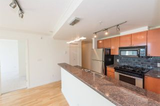 """Photo 2: 1405 928 RICHARDS Street in Vancouver: Yaletown Condo for sale in """"SAVOY"""" (Vancouver West)  : MLS®# R2107849"""