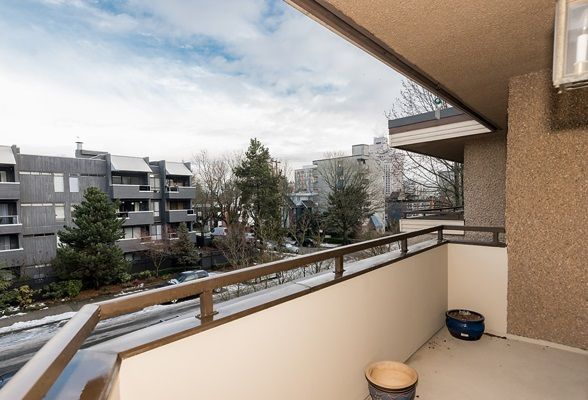 Photo 8: Photos: 303 2935 SPRUCE Street in Vancouver: Fairview VW Condo for sale (Vancouver West)  : MLS®# R2131963