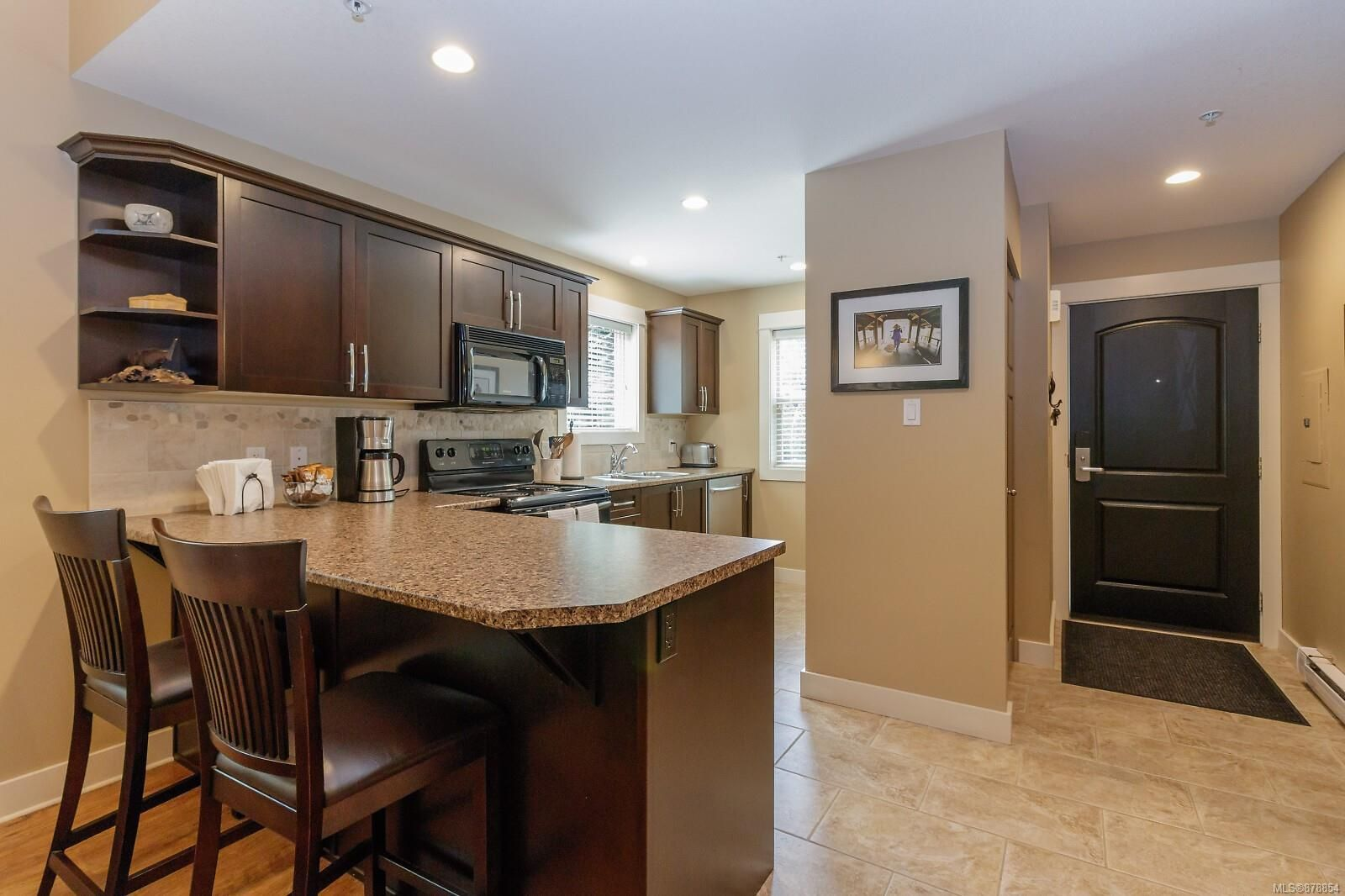 Photo 4: Photos: 223 1130 Resort Dr in : PQ Parksville Row/Townhouse for sale (Parksville/Qualicum)  : MLS®# 878854