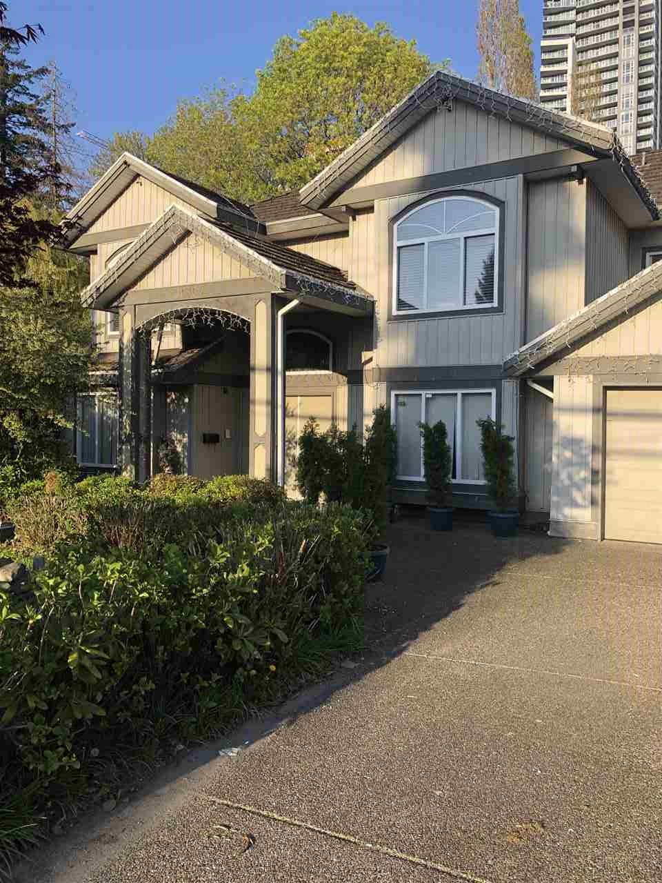 """Main Photo: 10304 132 Street in Surrey: Whalley House for sale in """"City Centre"""" (North Surrey)  : MLS®# R2451954"""