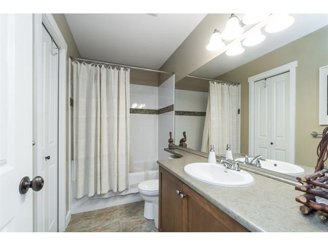 """Photo 15: Photos: 1767 TREE HOUSE Trail: Lindell Beach House for sale in """"Cottages at Cultus Lake"""" (Cultus Lake)  : MLS®# R2560433"""