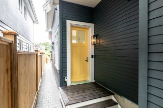Photo 2: 941 E 24TH Avenue in Vancouver: Fraser VE 1/2 Duplex for sale (Vancouver East)  : MLS®# R2407771