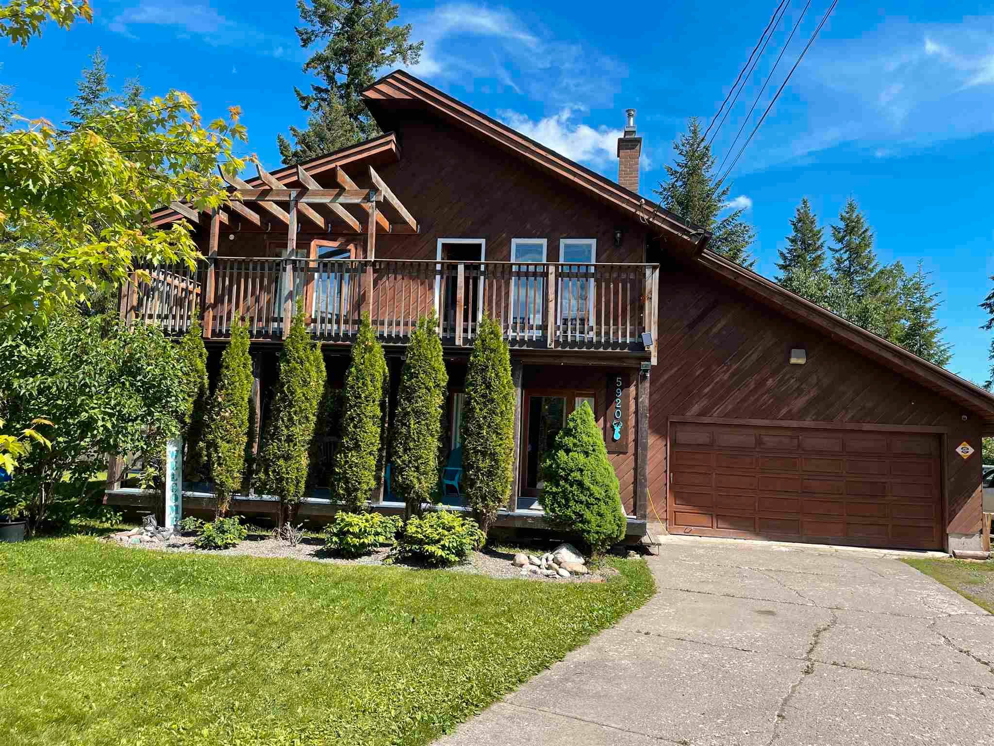 Main Photo: 5920 RIVERDALE Crescent in Prince George: Nechako Bench House for sale (PG City North (Zone 73))  : MLS®# R2604013
