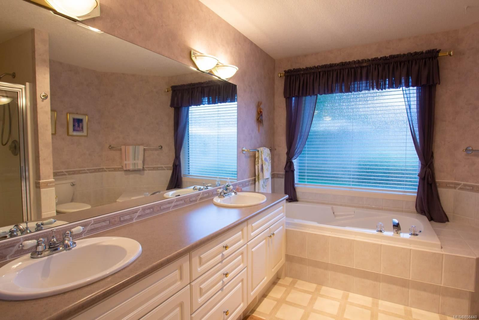 Photo 20: Photos: 798 Devon Pl in : PQ Qualicum Beach House for sale (Parksville/Qualicum)  : MLS®# 858440