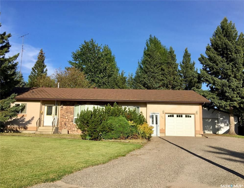 Main Photo: 104 JACKSON Place in Nipawin: Residential for sale : MLS®# SK844341