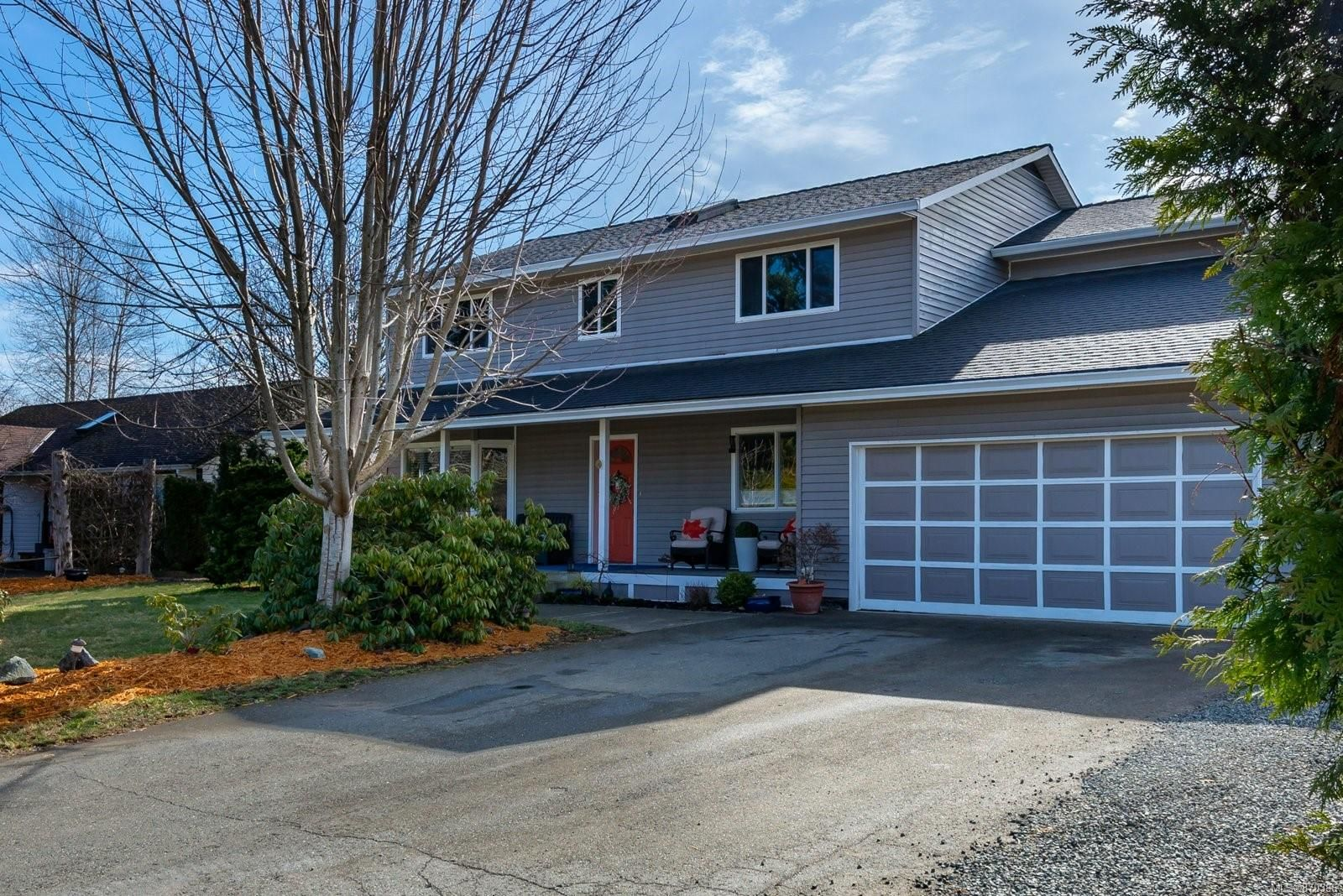 Main Photo: 2885 Caledon Cres in : CV Courtenay East House for sale (Comox Valley)  : MLS®# 870386