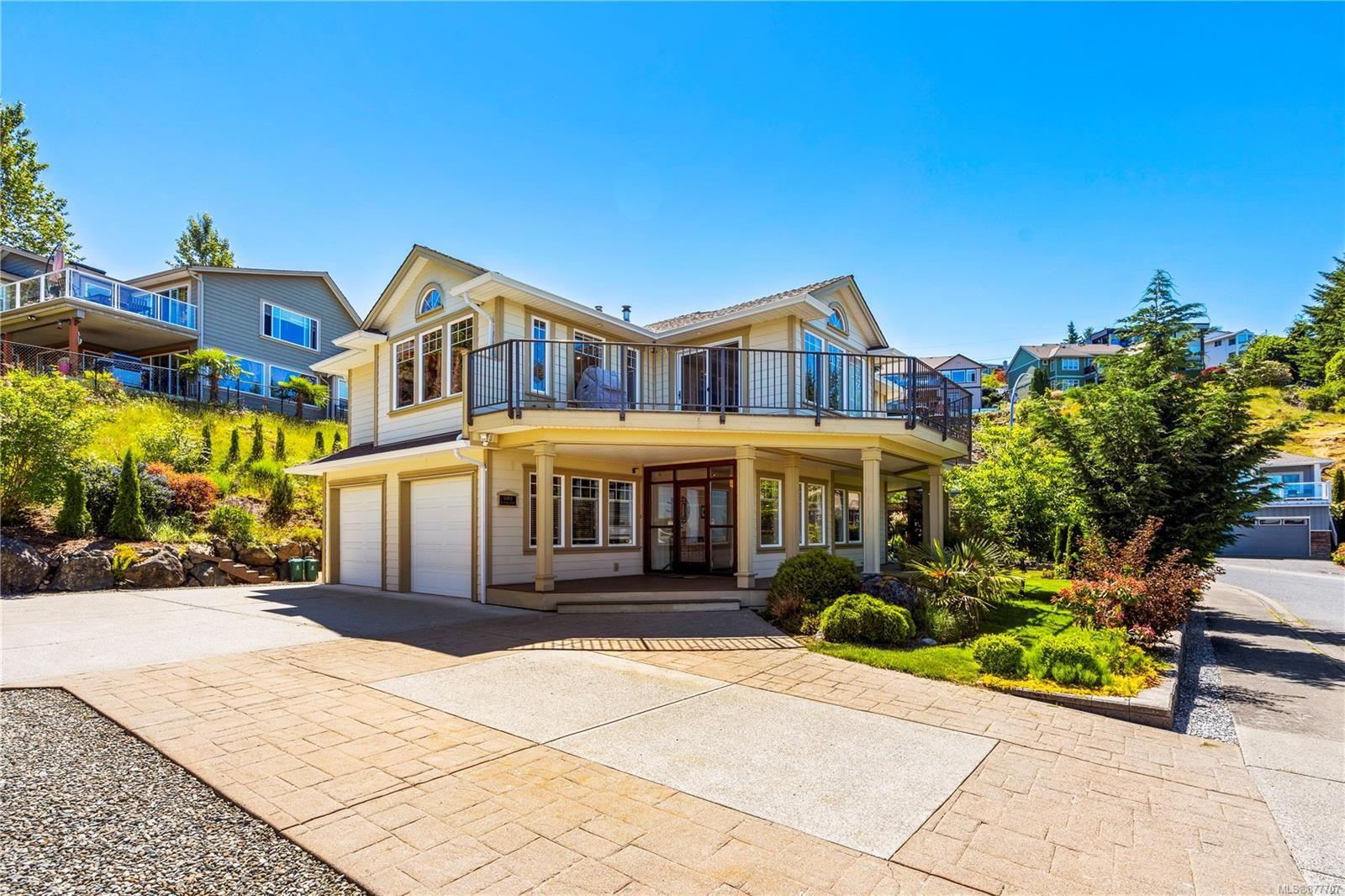 Main Photo: 1001 Roxboro Pl in : Na University District House for sale (Nanaimo)  : MLS®# 877707