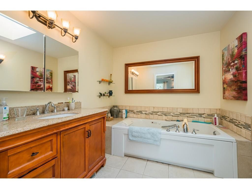 Photo 15: Photos: 21480 18 Avenue in Langley: Campbell Valley House for sale : MLS®# R2616707