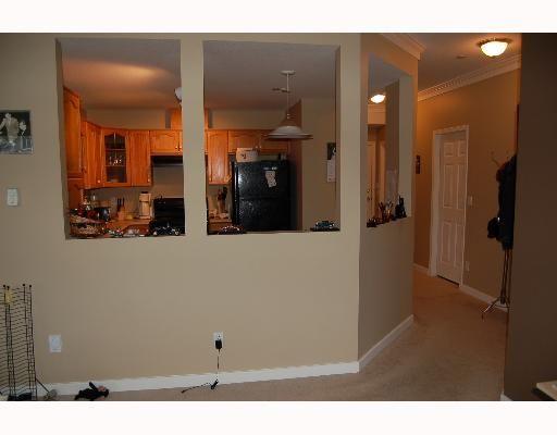 "Photo 6: Photos: 213 12464 191B Street in Pitt Meadows: Mid Meadows Condo for sale in ""LASEUR MANOR"" : MLS®# V640906"