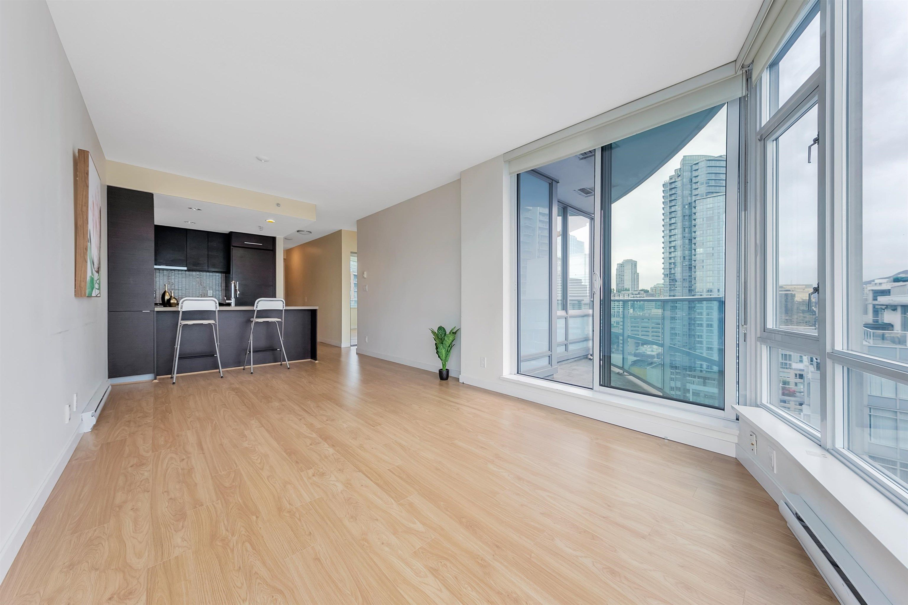 """Photo 9: Photos: 2302 833 HOMER Street in Vancouver: Downtown VW Condo for sale in """"Atelier"""" (Vancouver West)  : MLS®# R2615820"""