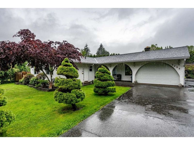 FEATURED LISTING: 2492 CAMERON Crescent Abbotsford