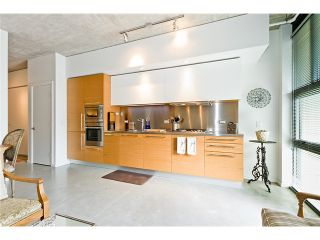 """Photo 8: 104 388 W 1ST Avenue in Vancouver: False Creek Condo for sale in """"THE EXCHANGE"""" (Vancouver West)  : MLS®# V975965"""