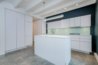"""Photo 1: 304 219 E GEORGIA Street in Vancouver: Strathcona Condo for sale in """"The Flats"""" (Vancouver East)  : MLS®# R2562533"""