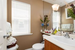 """Photo 12: 11 6450 199 Street in Langley: Willoughby Heights Townhouse for sale in """"LOGAN'S LANDING - LANGLEY"""" : MLS®# R2098067"""