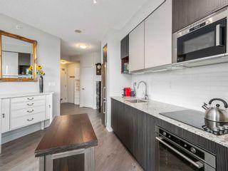 Photo 5: 722 99 W The Don Way Road in Toronto: Banbury-Don Mills Condo for sale (Toronto C13)  : MLS®# C5331602