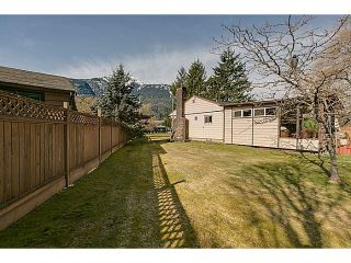 """Photo 17: 41550 GOVERNMENT Road in Squamish: Brackendale House for sale in """"BRACKENDALE"""" : MLS®# V1051640"""