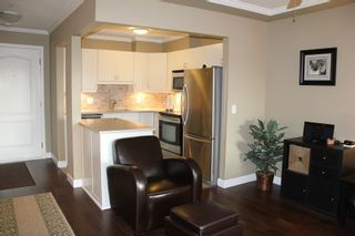 Photo 4: 404 20453 53 AVENUE in Langley: Langley City Condo for sale : MLS®# R2120225