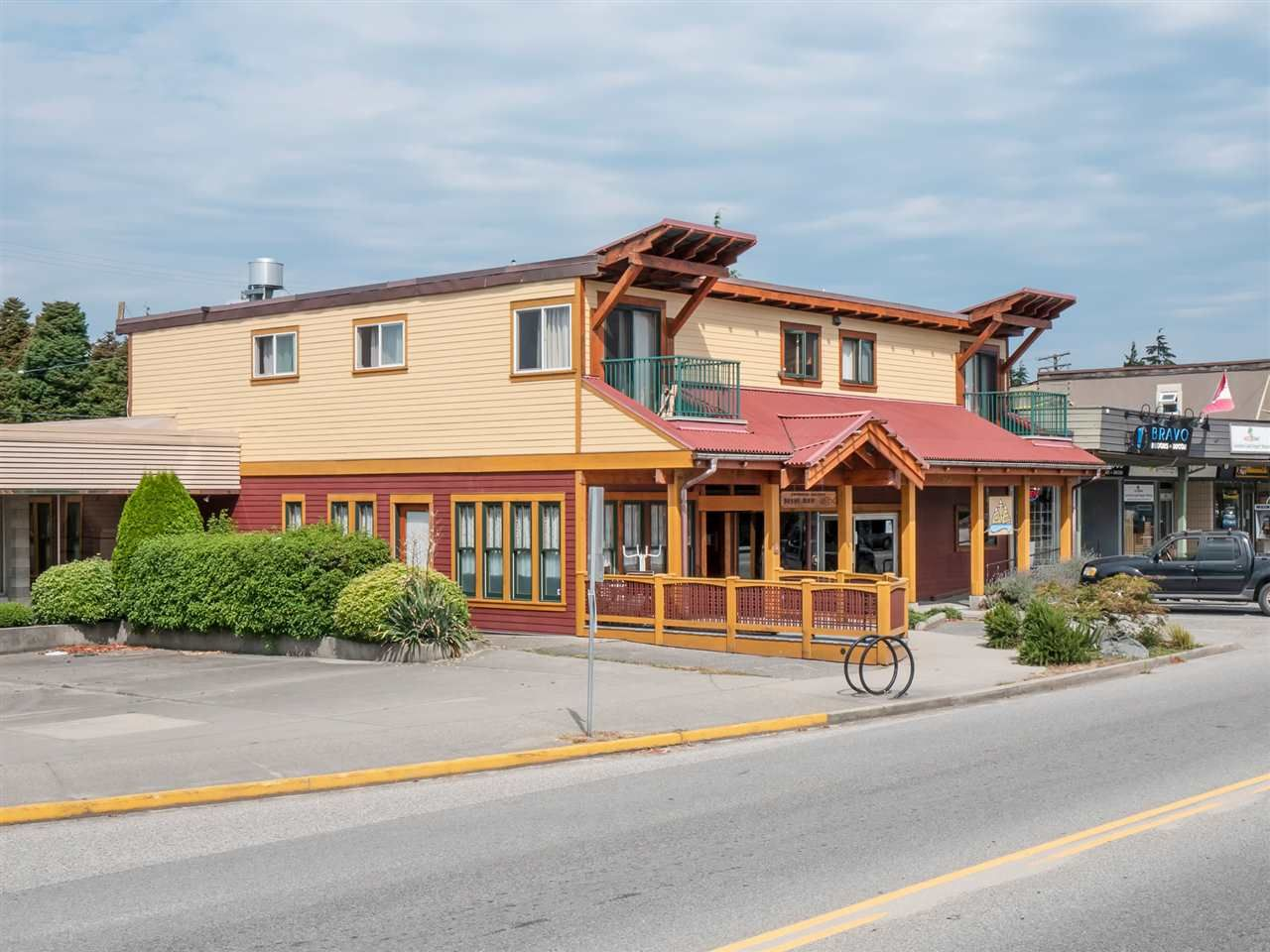 Main Photo: 5517 WHARF Avenue in Sechelt: Sechelt District Multi-Family Commercial for sale (Sunshine Coast)  : MLS®# C8036407