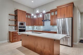 Photo 3: 851 IOCO ROAD in Port Moody: Barber Street House for sale : MLS®# R2122534