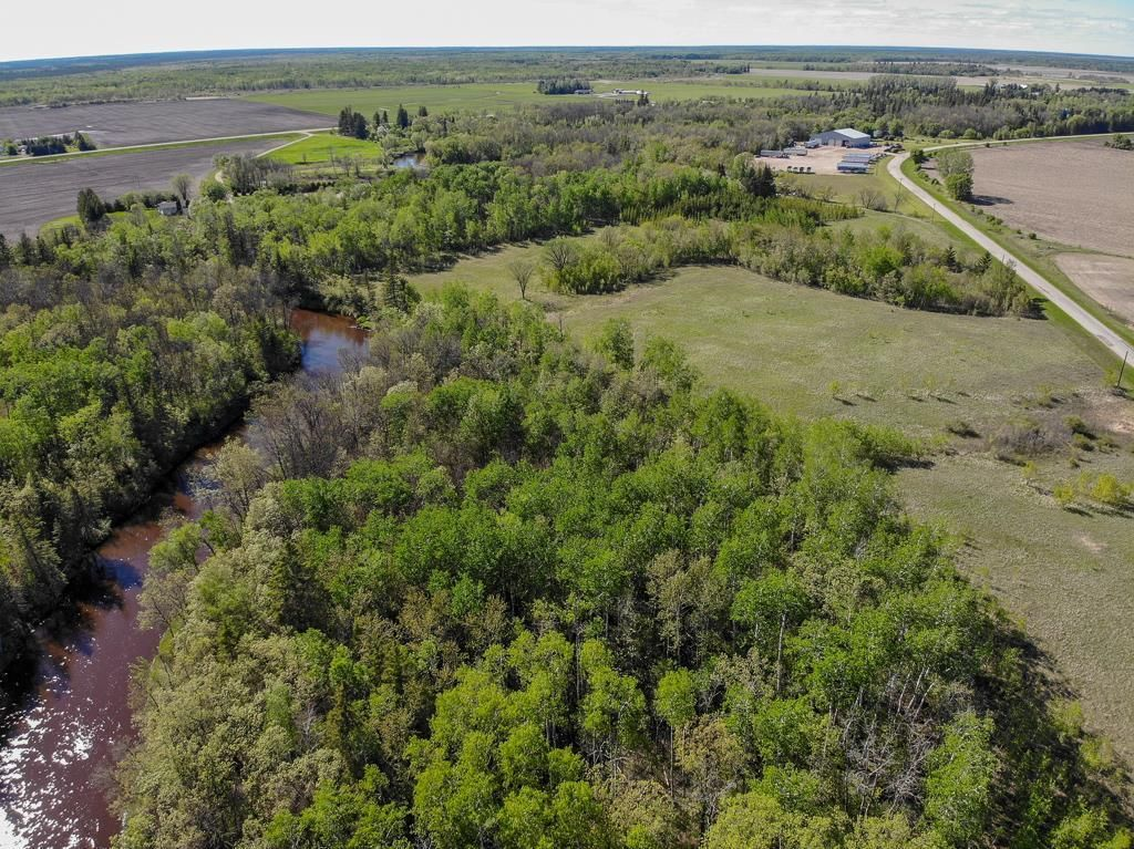 Main Photo: 46098 Whitemouth River Road East in Hadashville: R18 Residential for sale : MLS®# 202113243