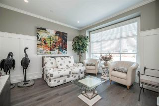 Photo 5: 15498 RUSSELL Avenue: White Rock House for sale (South Surrey White Rock)  : MLS®# R2568948