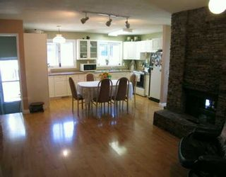 Photo 2:  in CALGARY: Huntington Hills Residential Detached Single Family for sale (Calgary)  : MLS®# C3176450