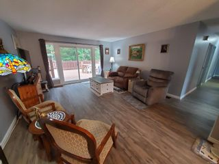 Photo 2: 421 Maquinna Cres in : NI Gold River House for sale (North Island)  : MLS®# 874294