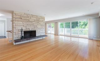 Photo 4: 6233 BUCKINGHAM Drive in Burnaby: Buckingham Heights House for sale (Burnaby South)  : MLS®# R2563603