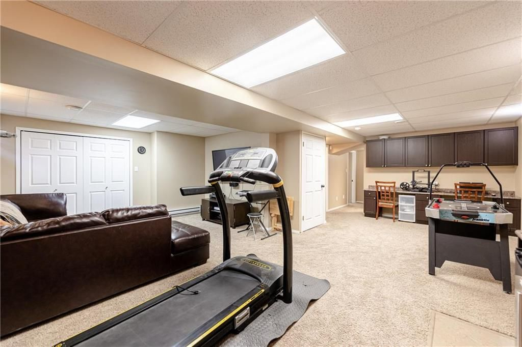 Photo 27: Photos: 20 PENROSE Crescent in Steinbach: R16 Residential for sale : MLS®# 202107867