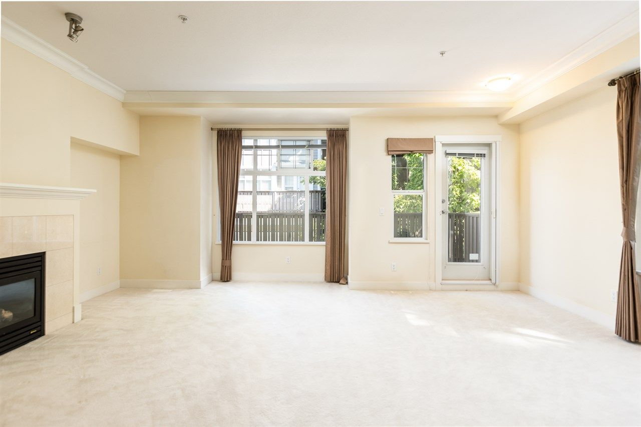 """Photo 10: Photos: 971 WESTBURY Walk in Vancouver: South Cambie Townhouse for sale in """"Churchill Gardens"""" (Vancouver West)  : MLS®# R2488294"""